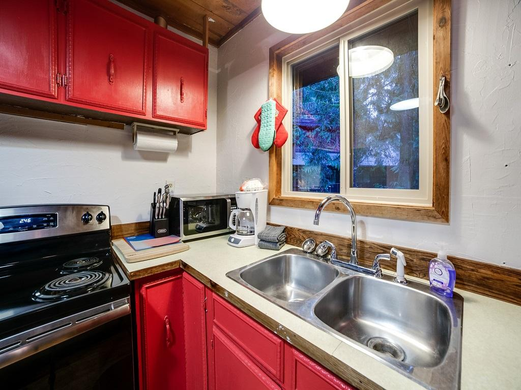 Mt. Baker Lodging Cabin #48 –WOOD STOVE, PETS OK, W/D, DISHWASHER, SLEEPS-5! photo 3992282