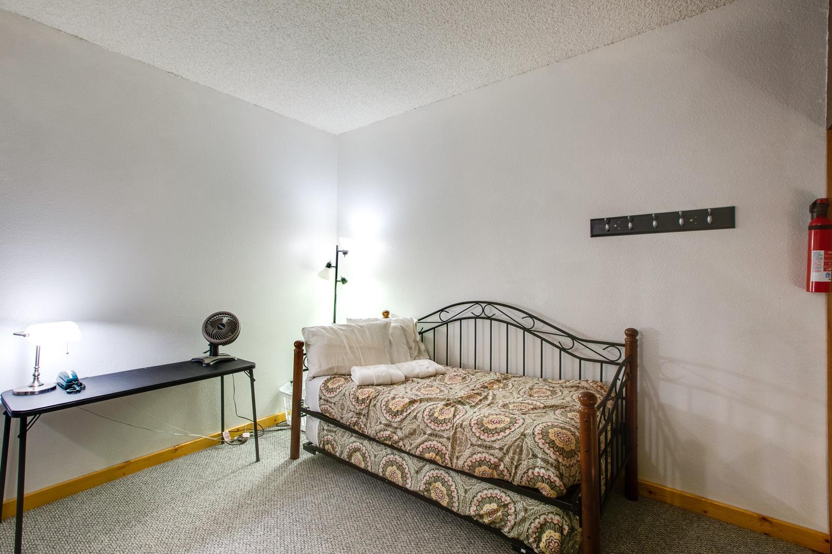 Apartment Mt  Baker Lodging Condo  56     FIREPLACE  INEXPENSIVE  KITCHENETTE  WIFI  SLEEPS-4  photo 31816885