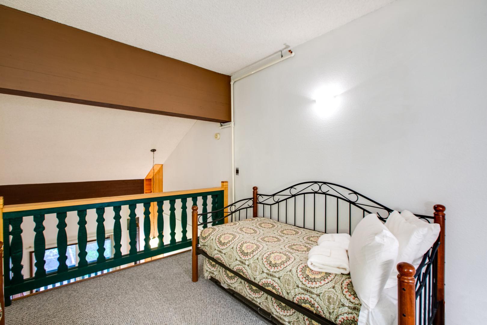 Apartment Mt  Baker Lodging Condo  56     FIREPLACE  INEXPENSIVE  KITCHENETTE  WIFI  SLEEPS-4  photo 31816886