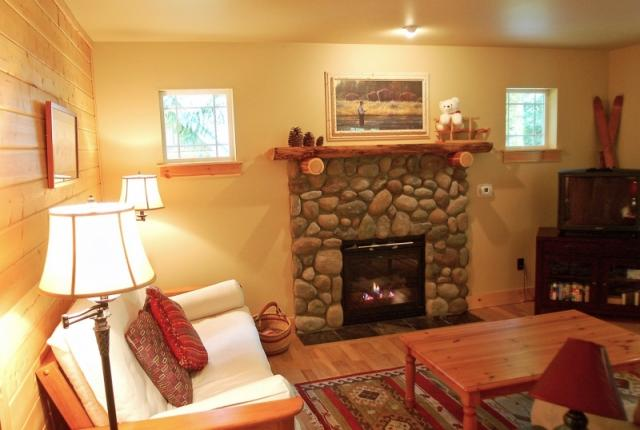 Mt. Baker Lodging Cabin #95 – HOT TUB, BBQ, PETS OK, FIREPLACE, WIFI, SLEEPS-4! photo 60956