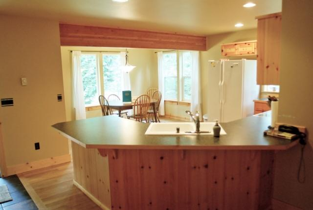 Mt. Baker Lodging Cabin #95 – HOT TUB, BBQ, PETS OK, FIREPLACE, WIFI, SLEEPS-4! photo 60959