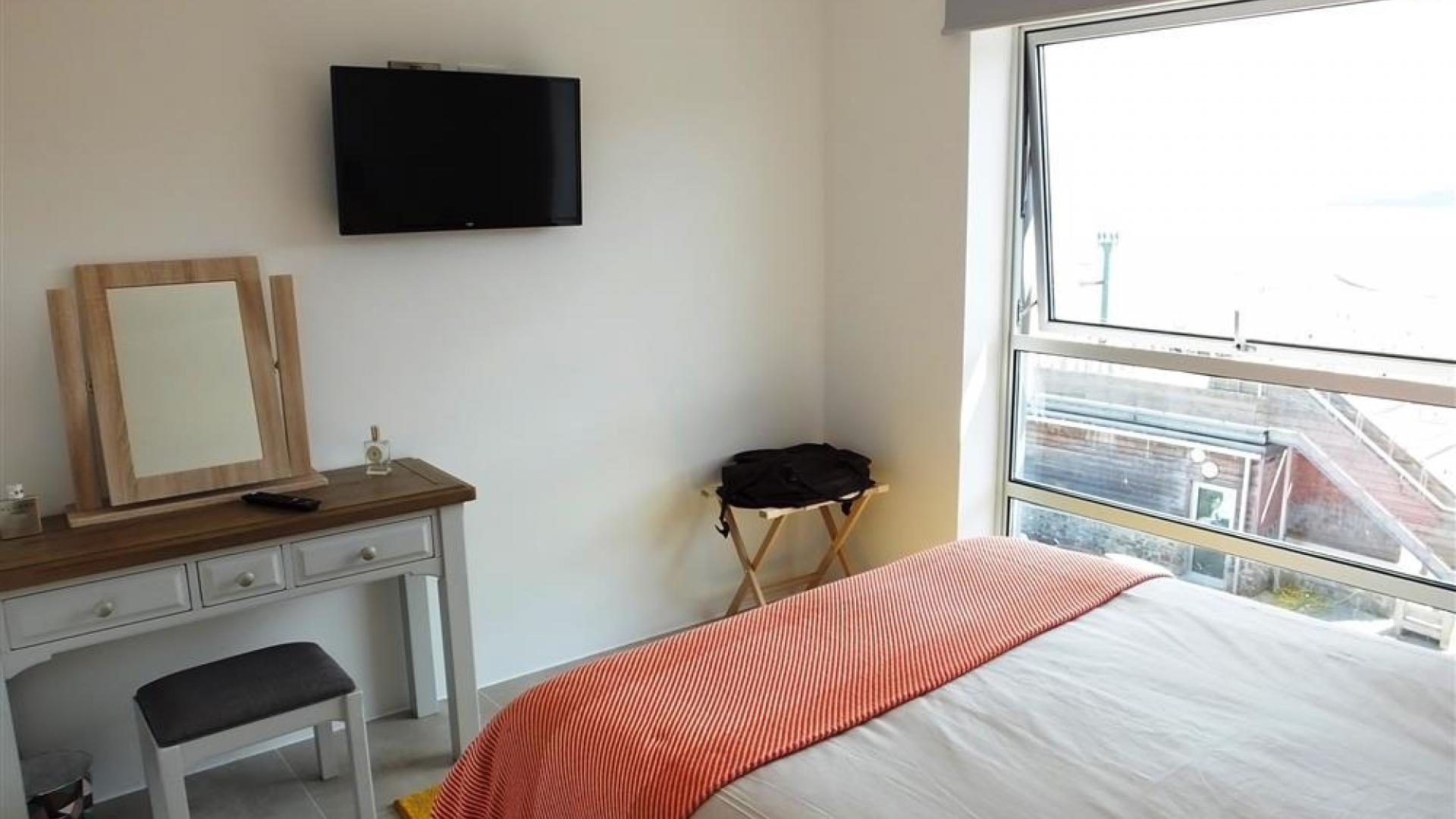 Apartment Waters Edge 15 photo 27769642
