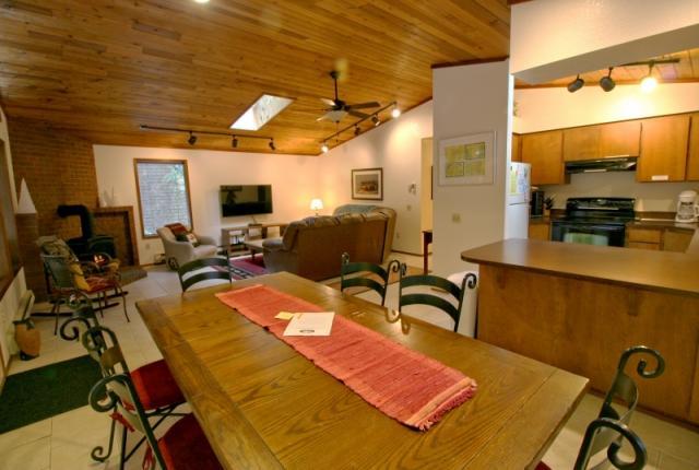 Mt. Baker Lodging Cabin #23 – HOT TUB, WIFI, SAUNA, POOL TABLE, SLEEPS-6! photo 59614