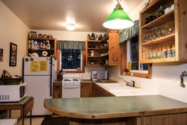 Mt. Baker Lodging Cabin #32 – WOODSTOVE, BBQ, WASHER/DRYER, PETS OK, SLEEPS-7! photo 59878