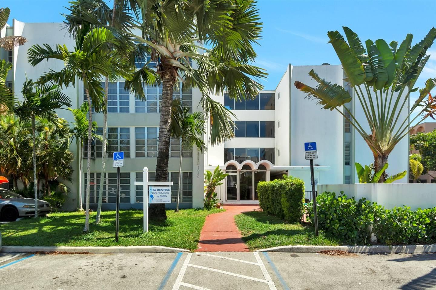 Apartment Fantastic 2br 2 bath with Pool  Bay Harbor  photo 17845242