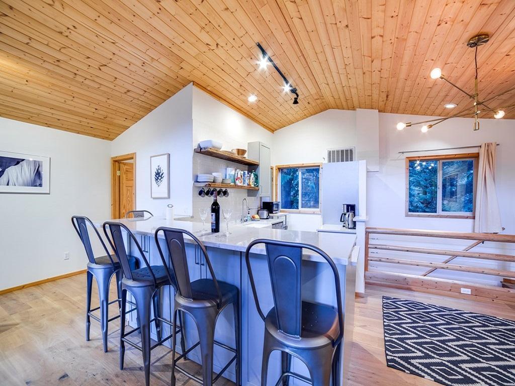 Apartment Mt  Baker Lodging Cabin  54     MT VIEW  BBQ  WIFI  D W  W D  SLEEPS-6  photo 3998645