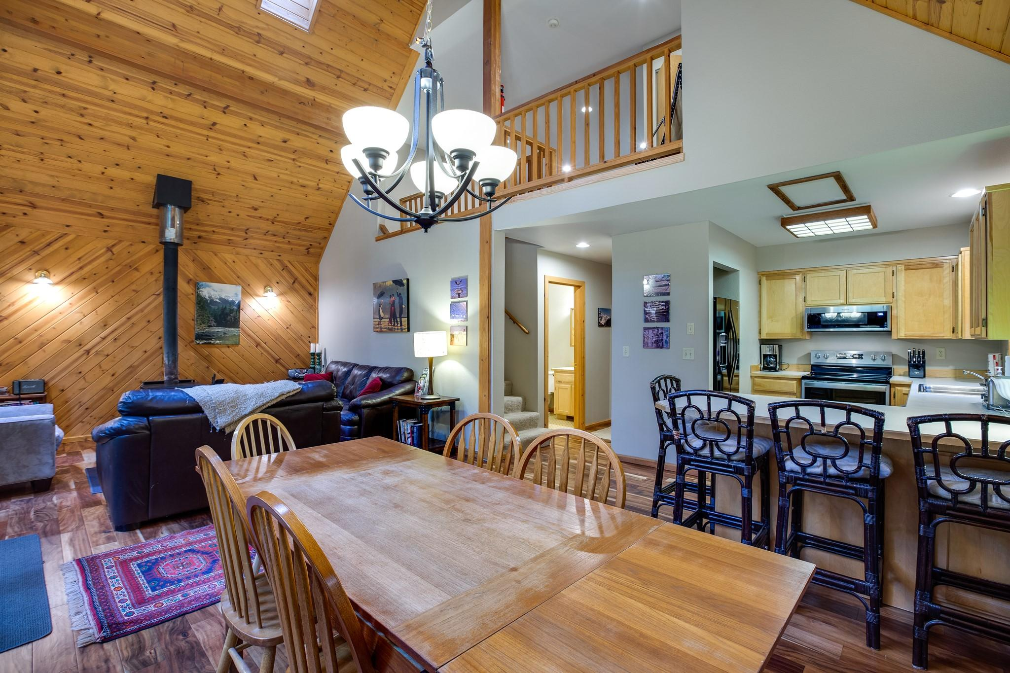 Mt. Baker Lodging Cabin#40 – HOT TUB, BBQ, PET FRIENDLY, WIFI, SLEEPS 8! photo 30888836