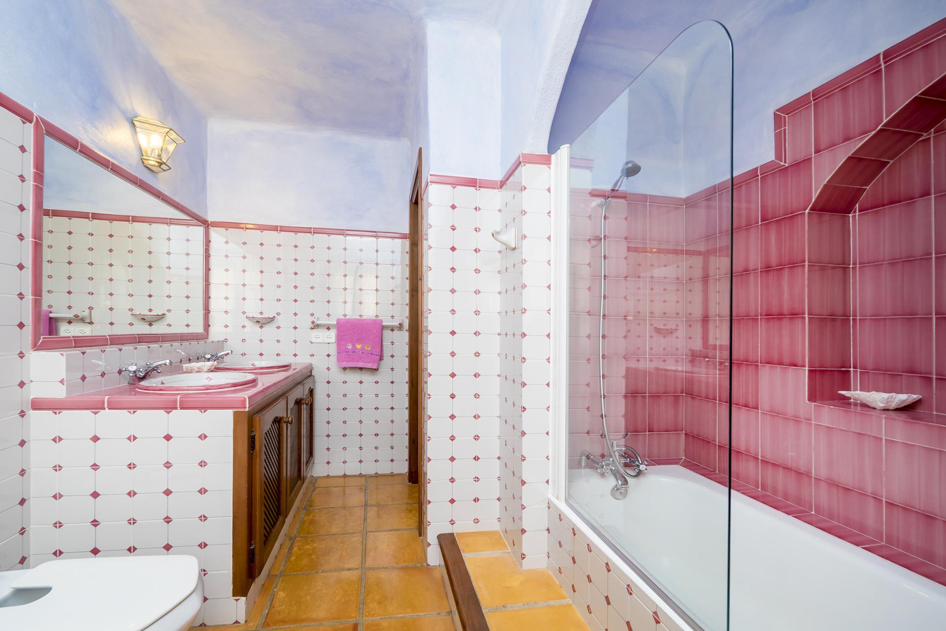 Apartment Villa Cas Berris  Lujo y Vista mar en Es Cubells photo 17316792