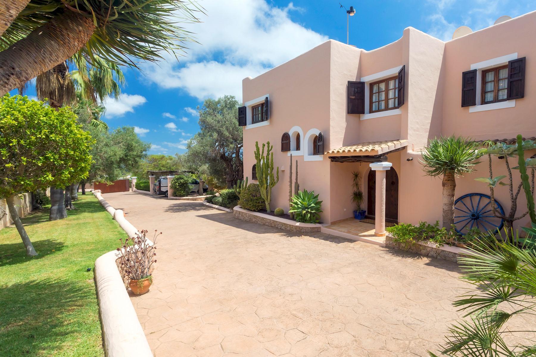 Apartment Villa Cas Berris  Lujo y Vista mar en Es Cubells photo 17812534