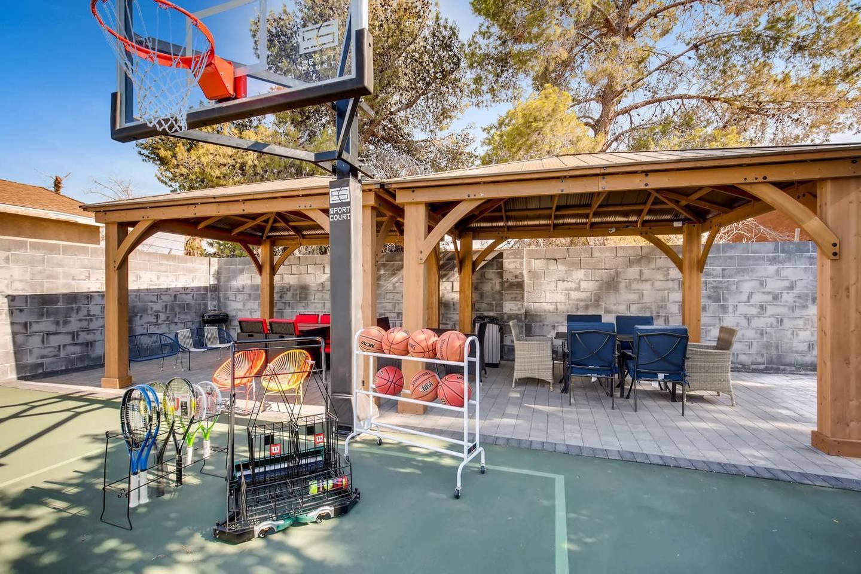 Apartment 12Bd 12Ba  Private Basketball Court   Karaoke photo 22346693