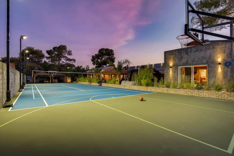 12Bd 12Ba, Private Basketball Court & Karaoke photo 22346671