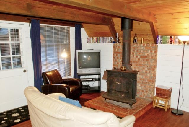 Mt. Baker Lodging Cabin #86 – RUSTIC, WOODSTOVE, BBQ, PETS OK, W/D, SLEEPS-6! photo 60868