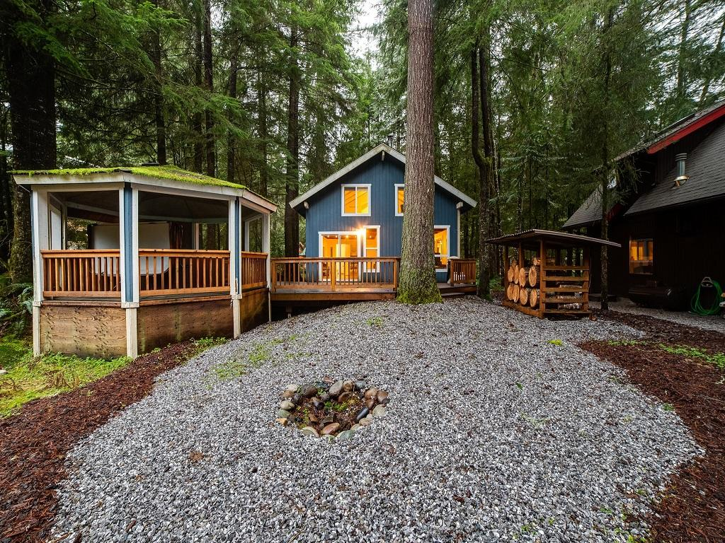 Apartment Mt  Baker Lodging Cabin  66     HOT TUB  WOOD STOVE  BBQ  WIFI  SLEEPS-10  photo 4001918