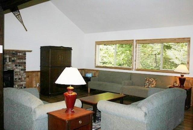 Mt. Baker Lodging Cabin #3 – Very Large Cabin on Acreage, 12 BDRM, 3.5 BATH, SLEEPS 26! photo 59172