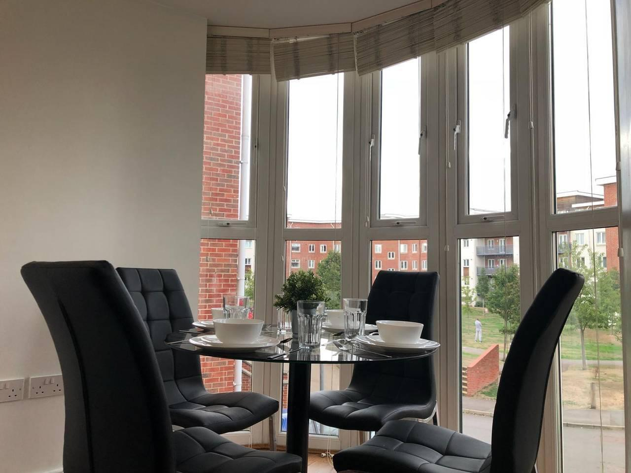 Apartment Walking distance to Maidenhead town  sleeps 3  photo 13766525