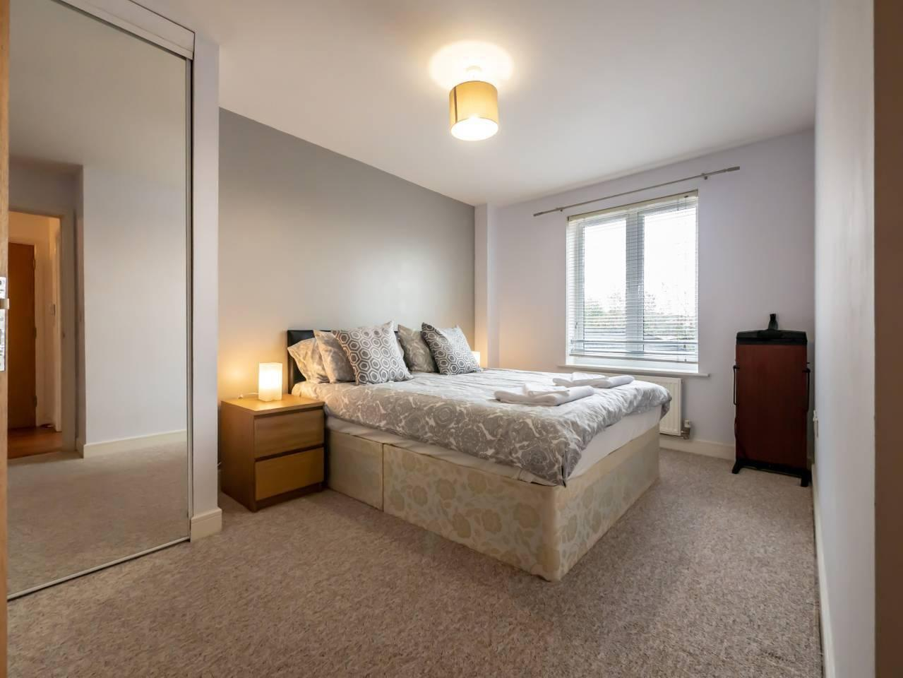 Walking distance to Maidenhead town (sleeps 3) photo 13713226