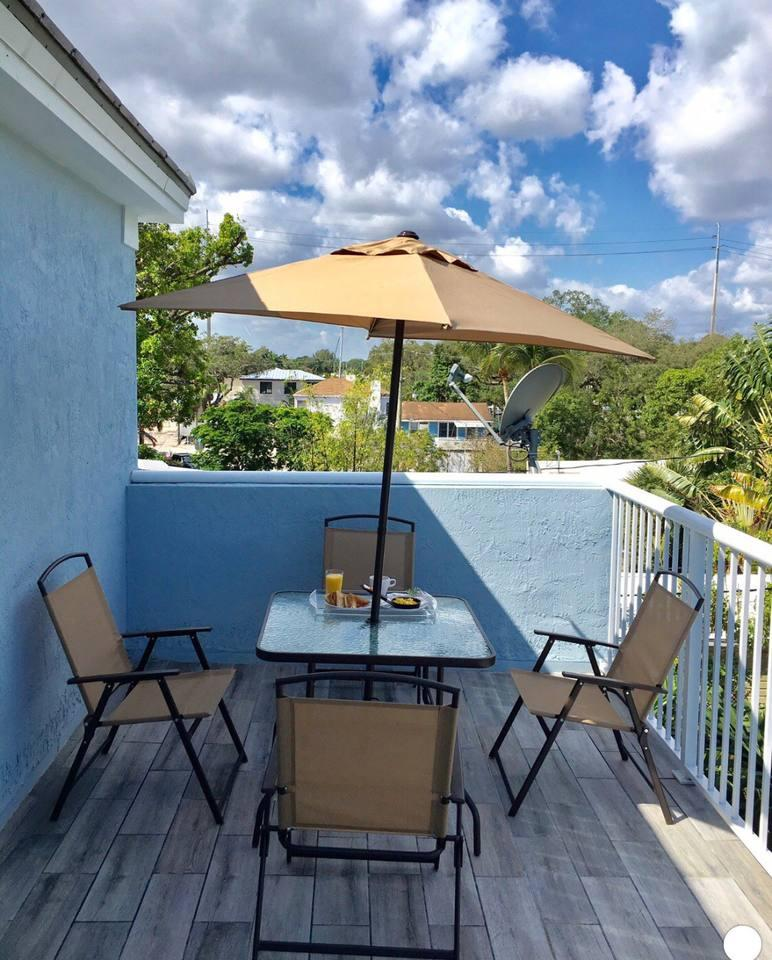 Apartment 4 Bedroom house steps from Riverwalk FtLauderdale photo 31771339