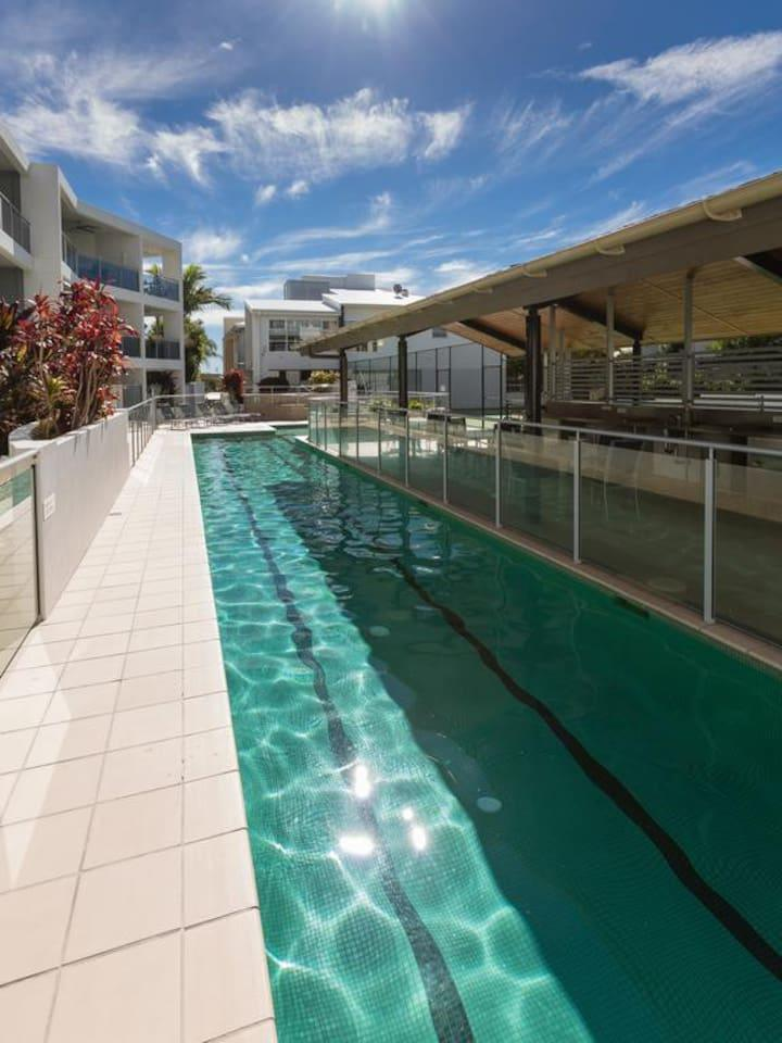 Apartment 2BR Coolum Beach    Rooftop Terrace   Spa   Tennis   Pool photo 26289866
