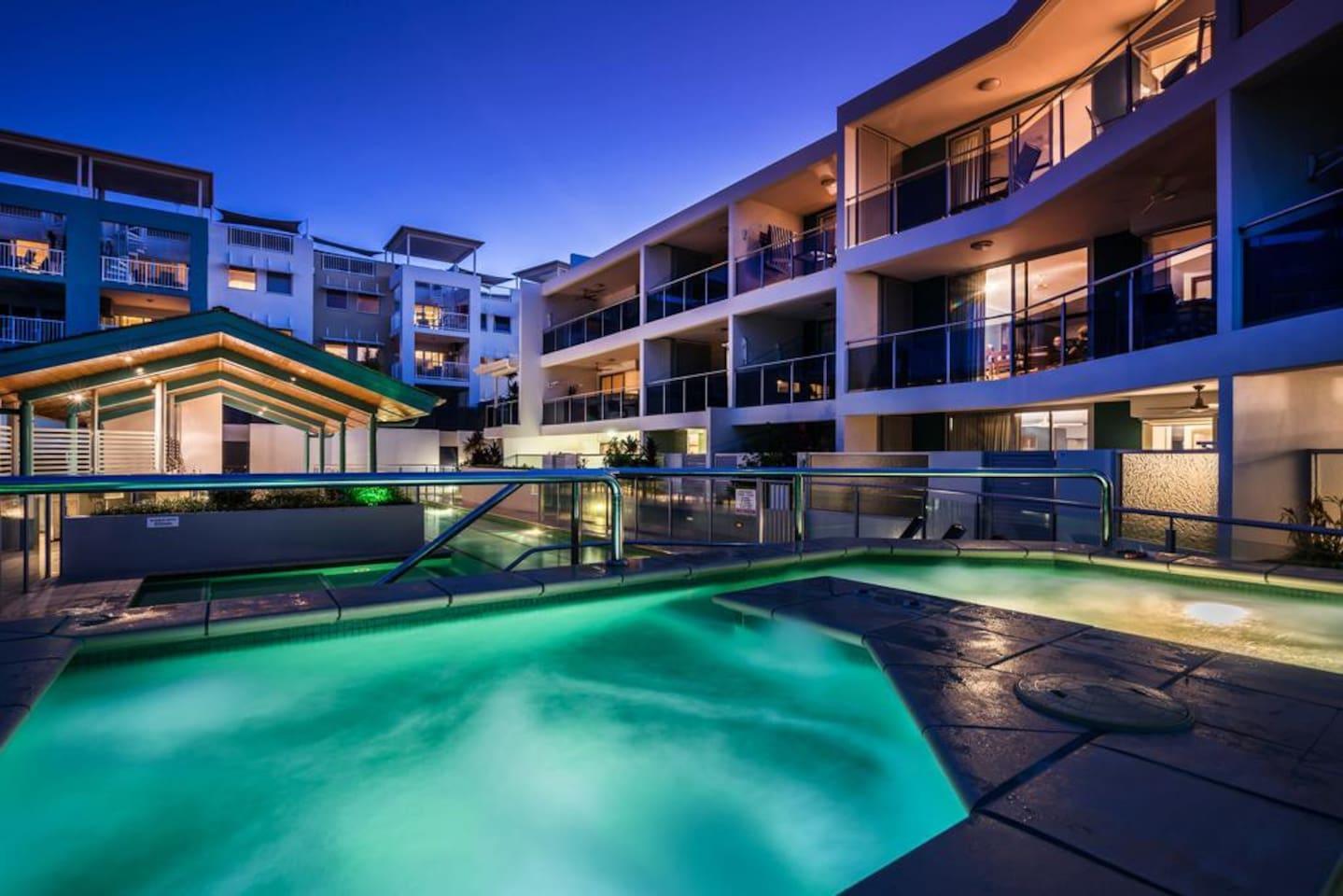 Apartment 2BR Coolum Beach    Rooftop Terrace   Spa   Tennis   Pool photo 26289858