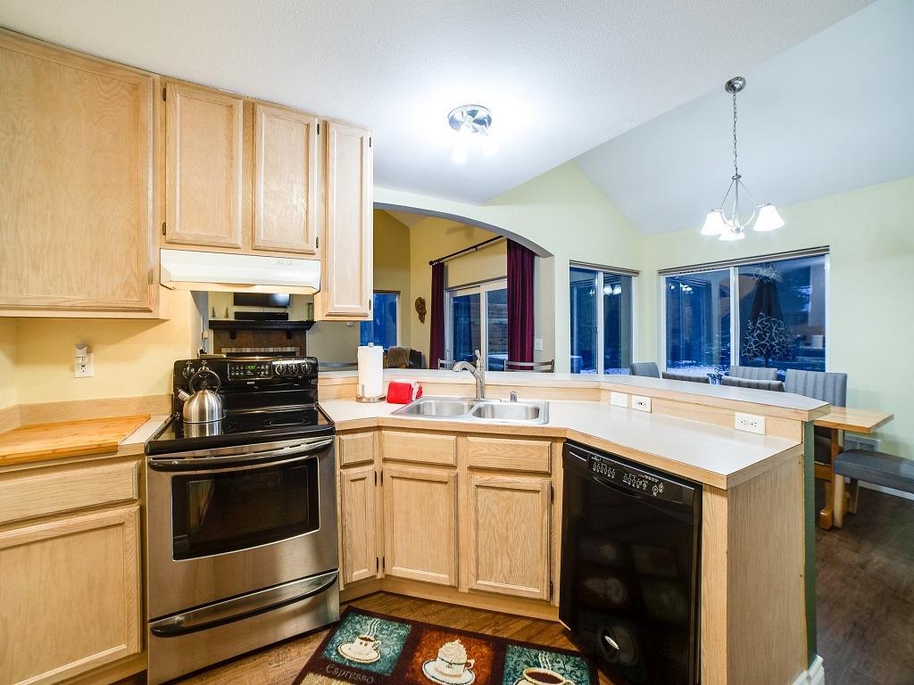 Apartment Mt  Baker Lodging Cabin  62     HOT TUB  BBQ  PETS OK  WIFI  SLEEPS-6  photo 4000753