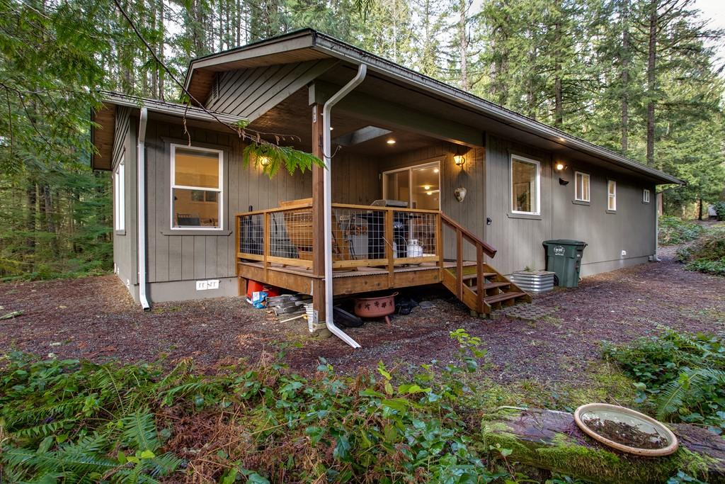 Apartment Mt  Baker Lodging Cabin  30  ndash  HOT TUB  WIFI  DVD  BBQ  W D  DW  SLEEPS 8  photo 27789886
